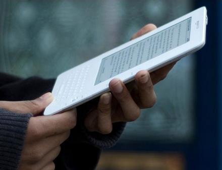 Покупатель Amazon Kindle получил в глаз от владельца Stylus.ua