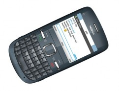 Nokia C3 - доступный QWERTY-смартфон для социальных сетей