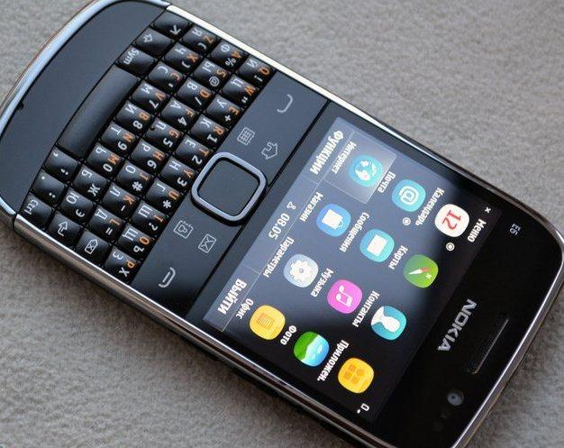 смартфон Nokia на Symbian Anna
