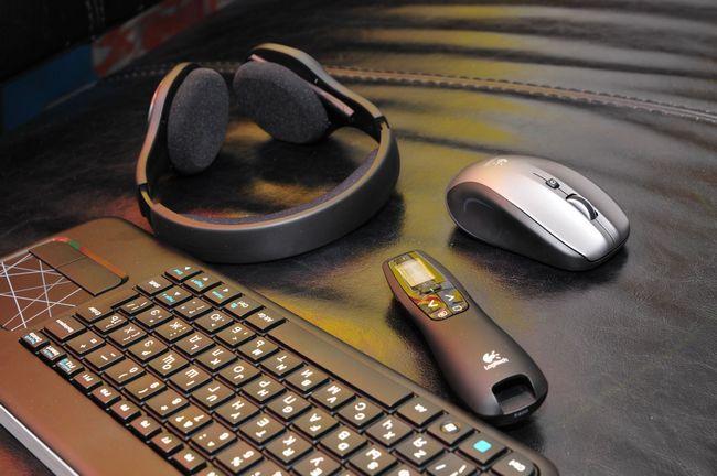 беспроводная клавиатура, мышь и наушники Logitech