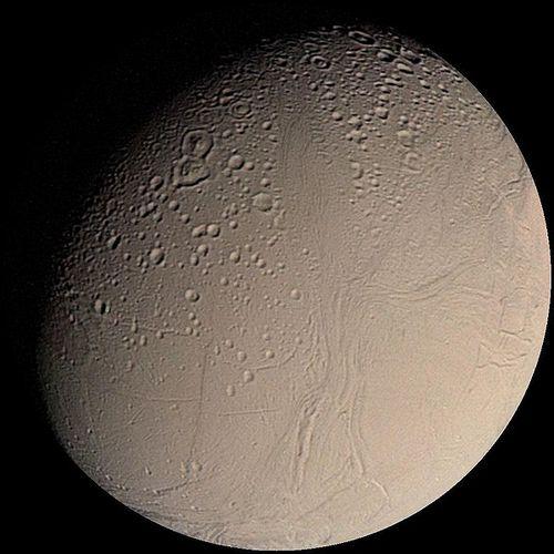 Энцела́д - спутник Сатурна