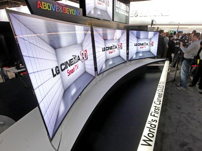 LG EA9800: OLED-телевизор с изогнутым экраном