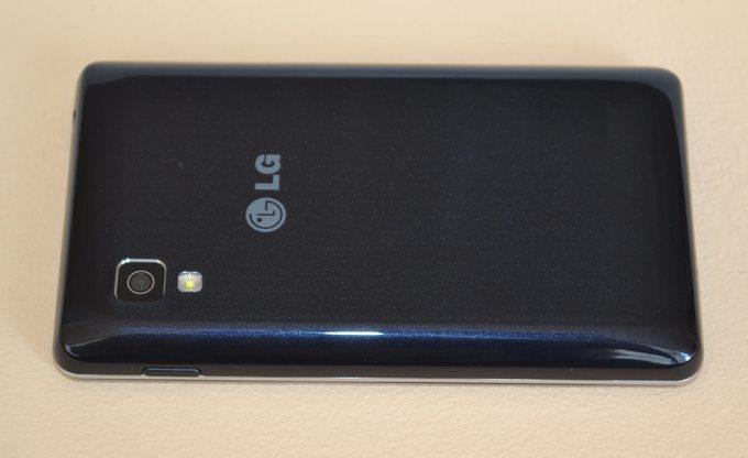 LG Optimus L4 II E440 - задняя панель