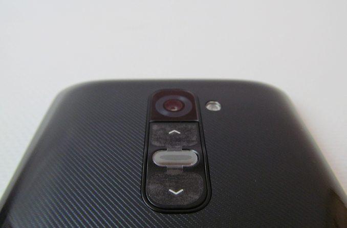 Кнопки LG G2 сзади
