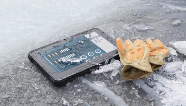 Latitude 12 Rugged Tablet in Frozen Stream
