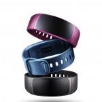 Samsung анонсировала браслет Gear Fit2 и наушники Gear IconX