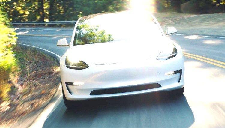 Русская Moscow Tesla Club планирует запустить продажи «бюджетного» электромобиля Tesla Model 3