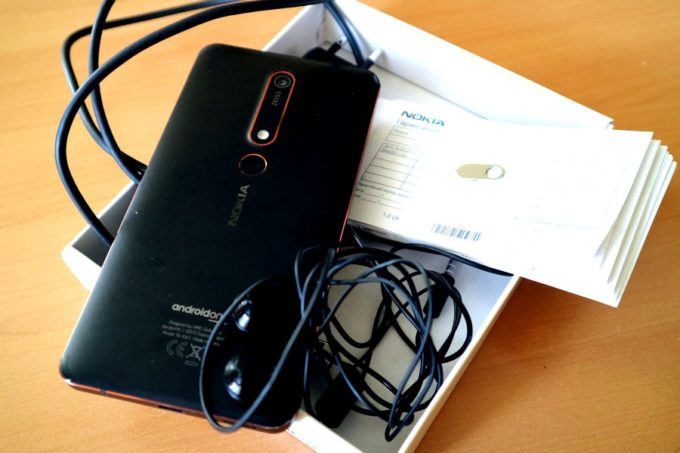Nokia 6.1 комплект